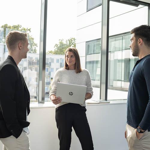 karriere-und-networking-alumni-gespraech